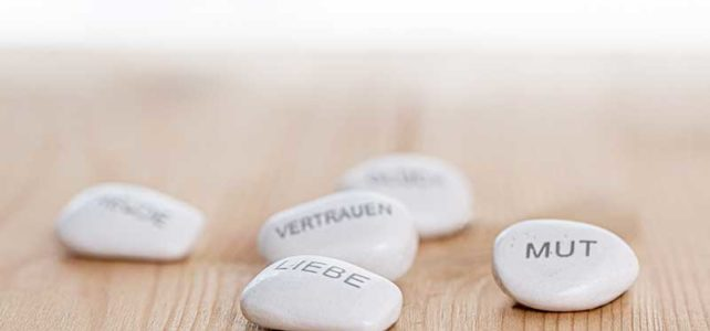 Steine symbolisieren die Entwicklungsmöglichkeiten in einer Beratung