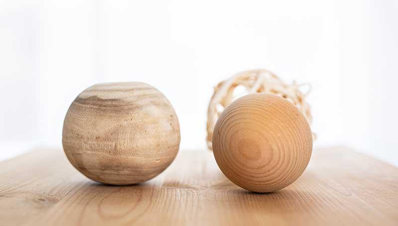 Bälle und Holzkugeln, Gegenstände in der KBT Psychotherapie