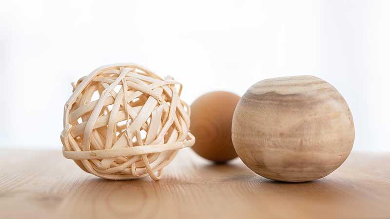 Schwerpunkte Psychotherapie, Arbeit mit Gegenständen, Holzkugeln